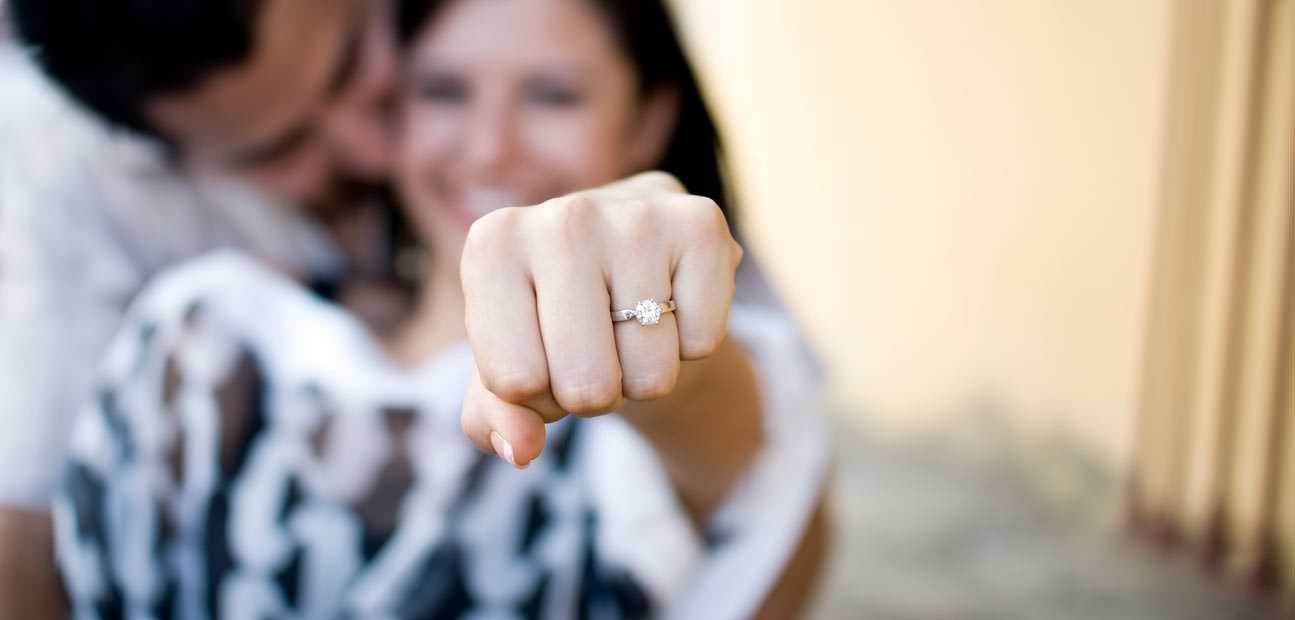 5 Motive pentru care e super să fii proaspăt logodită