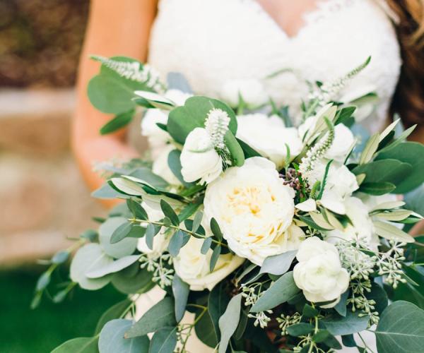 Greenery nuanţă nuntă în 2017